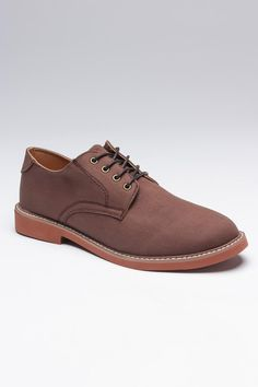 The brown derby shoe