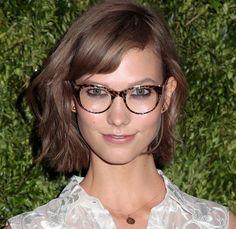 Karlie Kloss | Glasses Make Women Look Super Hot