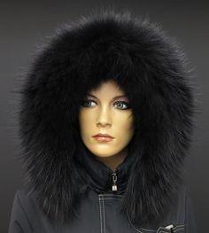 Černá kožešina na kapuci z mývalovce najdete na našem eshopu www.kuze-deluxe.com #spongr #kuzedeluxe #black #cerna #kozesina #kozesinovylem #pravakozesina