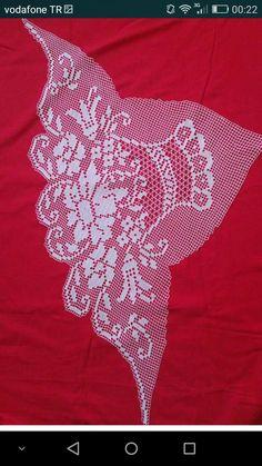 Filet Crochet Charts, Crochet Diagram, Crochet Patterns, Crochet Placemats, Crochet Doilies, Tapete Floral, Unique Crochet, Crochet Clothes, Diy And Crafts