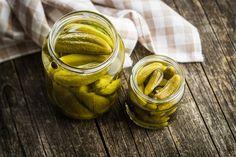 Sós, vizes uborka - Recept | Femina Drinking Pickle Juice, Pickle Juice Uses, Vinaigrette, Indian Pudding, Best Pickles, Beef Marinade, Creamy Pasta Recipes, Potato Juice, Baked Bean Recipes