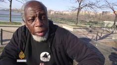 Otis Johnson war 44 Jahre im Gefängnis, weil er versucht hat einen Polizisten umzubringen. Letztes Jahr kam er wieder raus und entdeckt die Welt, die für viele Millionen Menschen alltäglich ist, völlig neu und wirkt dabei wie ein Zeitreisender aus dem Jahr 1970, der erkennt, welche merkwürdigen Früchte unsere Gegenwart trägt. Crazy! AUCH INTERESSANT: Filter [ ]