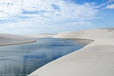 Lagoa Bonita, no Parque Nacional dos Lençóis Maranhenses. Conheça >>> http://www.guiaviagensbrasil.com/ma/lencois-maranhenses/