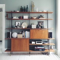 LooksBetterNow - A home improvement resource! Mid Century Wall Unit, Wall Shelving Units, Shelves, Home Furniture, Furniture Design, Modern Wall Units, Danish Interior, Small Home Offices, Mid Century Modern Living Room