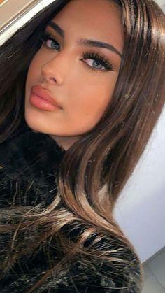 Brunette Beauty, Brunette Hair, Most Beautiful Faces, Beautiful Eyes, Beauty Makeup, Hair Makeup, Hair Beauty, Girl Face, Woman Face