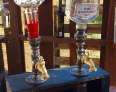 Dispensador de licor con botella y la Base por ManMadeForManCave