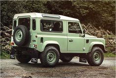 Land RoverDefender Celebration Series Heritage Edition