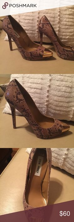 Steve Madden heels Christmas SaleSexy leather Steve Madden heels. Gently worn indoors only. Steve Madden Shoes Heels