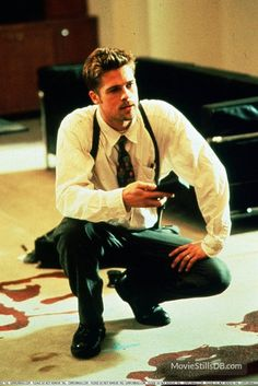 - Publicity still of Brad Pitt. The image measures 1646 * 2464 pixels and was added on 10 December Seven Film, Seven 1995, Fight Club Brad Pitt, Se7en Movie, Movie Tv, Thelma Louise, 90s Movies, Series Movies, Junger Brad Pitt