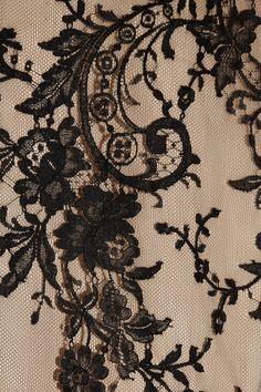 Alexander McQueen fluted lace and silk skirt closeup