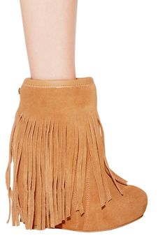 koolaburra Veleta Suede Wedge Ankle Boot with Fringe in Chestnut