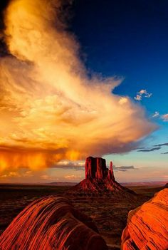 Monument Valley Navajo Tribal Park, Arizona, USA This The Grand Canyon Are two of the places everyone in this Country should see. Monument Valley, Valley Park, All Nature, Amazing Nature, Parc National, National Parks, Places To Travel, Places To See, Places Around The World