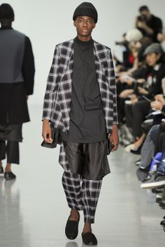 See all the Collection photos from Agi & Sam Autumn/Winter 2014 Menswear now on British Vogue Look Fashion, Winter Fashion, Fashion Show, Mens Fashion, Fashion Outfits, Fashion Design, Fashion Trends, Street Fashion, Vogue Paris