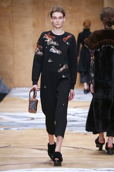 Alena Akhmadullina Russia Fall 2016 Fashion Show