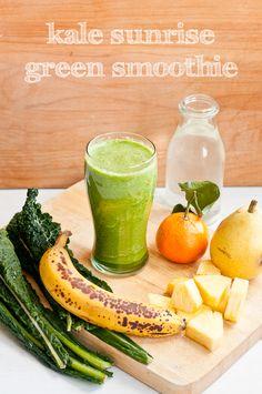Cafe Johnsonia: Saturday Smoothie: Kale Sunrise Green Smoothie