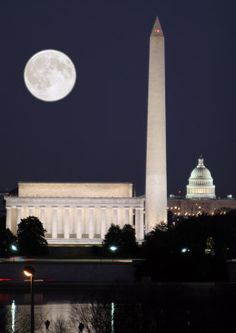 One of the best ways to see DC is at night: DC Sklyline at full moon night, Washington Monument, Lincoln Memorial, Capitol Building