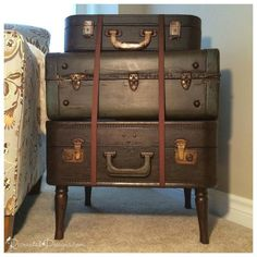 She stacks three suitcases in a corner. Now look what she does with chocolate colored ribbon! - This will make your living room gorgeous! Turn a stack of vintage suitcases into a chic side table with just some salvaged furniture legs and a bit of stain. Salvaged Furniture, Furniture Legs, Rustic Furniture, Painted Furniture, Modern Furniture, Furniture Design, Plywood Furniture, Wedding Furniture, Cabin Furniture