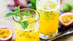 Mojito alla maracujà, cocktail con rum bianco menta e maracuja, ricetta cocktail