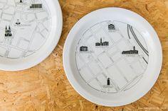 detalhe dos pratos estampados criados por Maurício Arruda - matéria em parceria com a https://boobam.com.br/
