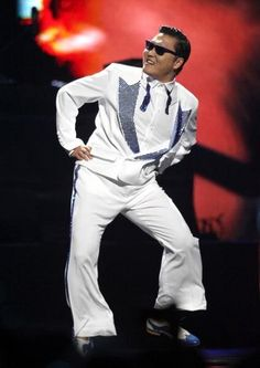 PSY performs his viral hit Style on stage at iHeartRadio festival at Grand Las Vegas on Sept 2012 Psy Daddy, Most Watched Videos, Planet Hollywood, Gangnam Style, Guinness World, World Records, Show Photos, Dance The Night Away, Yg Entertainment