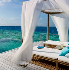 Dusit Thani in the Maldives... I will never be able to afford it, but a girl can dream...