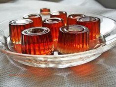 Kakukkfű: Cukormentes gumicukor házilag :-) Nespresso, Shot Glass, Coffee Maker, Candle Holders, Candles, Tableware, Food, Coffeemaker, Dinnerware