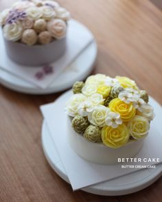Done by my student 🎂 - Buttercream flower cake  (베러 정규클래스/Regular class) www.better-cakes.com 🌸 Any inquiries about BETTER CLASS, Plz contact me through LINE or Email. Mail👉🏻bettercakes@naver.com Line👉🏻better_cake Facebook👉🏻Better Cake Kakaotalk👉🏻bettercake…