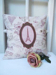 Housse de coussin Tour Eiffel médaillon lin rose baroque coton chocolat coton imprimé publicités anciennes réclames : Textiles et tapis par aufildelondine