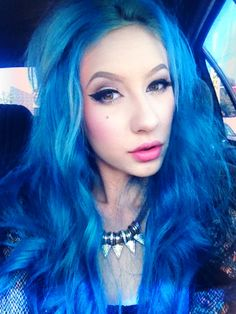Electric blue hair Lili Pore is so freaking amazing Electric Blue Hair, My Little Pony Hair, Blue Purple Hair, Wow Hair Products, Cool Hairstyles, Hairdos, Updos, Beautiful Hair Color, Hair Color And Cut