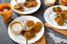Nom Nom! We love fried pickle chips! Serve these Farm Rich appetizers to your Halloween party guests! #FarmRichSnacks #spon