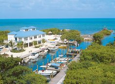 Find MWR-approved military vacation deals for Ocean Pointe Suites @ Key Largo at Armed Forces Vacation Club. Enjoy great deals on resort stays in Florida Keys. Florida Keys, Key Largo Florida, Visit Florida, Fl Keys, Florida Living, Florida Usa, Florida Travel, Florida Beaches, Armed Forces Vacation Club