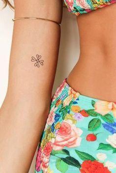 Tatuaje de trébol de cuatro hojas