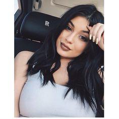 Kylie  http://instagram.com/bombshelllooks