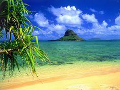 Google Image Result for http://www.worldfortravel.com/wp-content/uploads/2012/06/Chinamans-Hat-Oahu.jpg