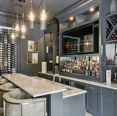 Gorgeous custom bar, raise your hand if you need this. Gorgeous custom bar, raise your hand if you need this… by . Basement Bar Plans, Basement Bar Designs, Modern Basement, Basement Renovations, Basement Ideas, Basement Kitchenette, Home Bar Rooms, Home Bar Decor, Luxury Bar