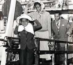 Windrush- This picture reminds me of how my story began