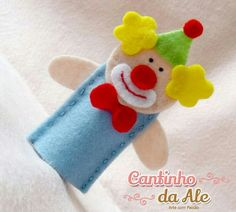 even more felt projects nyc Felt Puppets, Puppets For Kids, Felt Finger Puppets, Hand Puppets, Puppet Crafts, Felt Crafts, Finger Puppet Patterns, Felt Quiet Books, Operation Christmas Child