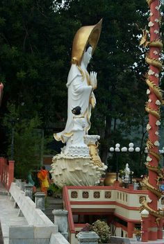 Thai Avalokitesvara as Chao Mae Kwan Im