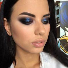 blue-smokey-eye-makeup-metallic-sapphire-makeup – Beauty Make up Styles Blue Smokey Eye, Smokey Eye Makeup Look, Smoky Eyes, Eye Makeup Steps, Blue Eye Makeup, Eyeshadow Looks, Makeup Looks, Metallic Makeup, Blue Eyeshadow For Brown Eyes