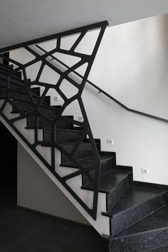 A attractive staircase is more than simply a path from one floor to the next: this picture staircase will certainly motivate you. Modern Stair Railing, Stair Railing Design, Stair Handrail, Staircase Railings, Modern Stairs, Spiral Staircase, Stairways, Stair Gate, Railing Ideas