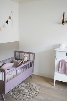 The nicest room Vintage Nursery, Nursery Inspiration, Fashion Room, Cool Rooms, Kid Spaces, Nursery Room, Kids House, Kids Furniture, Girls Bedroom