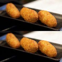 Que buena pinta tienen estas #croquetas de pollo.  Hoy almorzamos en el #CentralBar #mercadocentralvalencia  #regram #ricardcamarena #valenciagram #valenciafood #valencia #igersvalencia #food #foodies #foodexpirience #foodporn #yummy #yumm #almuerzo #barriodelcarmen #tastevalencia
