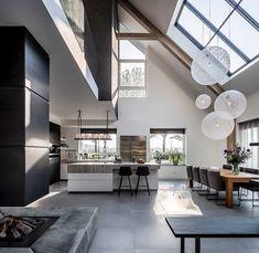 Witte keuken in design interieur Interior Design Minimalist, Modern Home Interior Design, Dream House Interior, Dream Home Design, Modern Kitchen Design, Modern House Design, Interior Architecture, Modern Houses, House Rooms