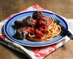 Spaghetti with Black Bean and Mushroom #Vegan Meatballs - Peaceful Dumpling