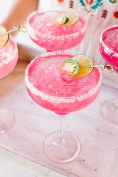 This colorful pink margarita would be amazing to serve at a Cinco de Mayo party! This colorful pink margarita would be amazing to serve at a Cinco de Mayo party! Rosa Cocktails, Virgin Cocktails, Cocktail Drinks, Virgin Cocktail Recipes, Craft Cocktails, Prickly Pear Margarita, Margarita Day, Margarita Recipes, Virgin Margarita