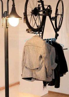 Garderobenständer - Rastlos durch die Nacht