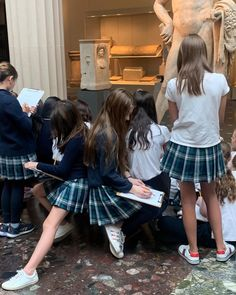Discover recipes, home ideas, style inspiration and other ideas to try. Preppy School Girl, Preppy Girl, School Girl Outfit, Girl Outfits, Cute Outfits, Fashion Outfits, Private School Uniforms, Private School Girl, Boarding School Aesthetic