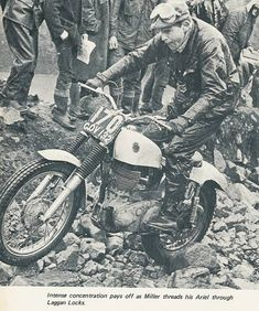 Sammy Miller threads his Ariel through Laggan Locks Vintage Motocross, Vintage Motorcycles, Bultaco Motorcycles, Motorbikes, Motos Trial, Trial Bike, Racing Events, Rough Riders, Motosport