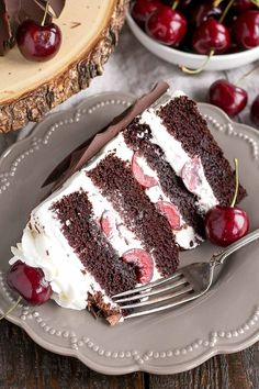 This Black Forest Cake combines rich chocolate cake layers with fresh cherries, . - This Black Forest Cake combines rich chocolate cake layers with fresh cherries, cherry liqueur, and - Food Cakes, Cupcake Cakes, Cupcakes, No Bake Desserts, Just Desserts, Delicious Desserts, Sweet Recipes, Cake Recipes, Dessert Recipes