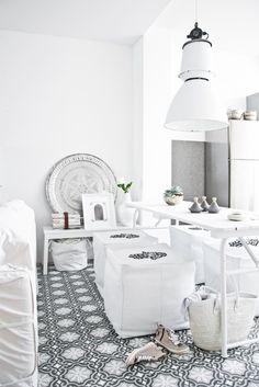 33 Cool Moroccan Dining Room Designs : 33 Moroccan Dining Room Designs With White Wall Dining Table Cushion Sofa Chandelier Refrigerator And Ceramic Floor